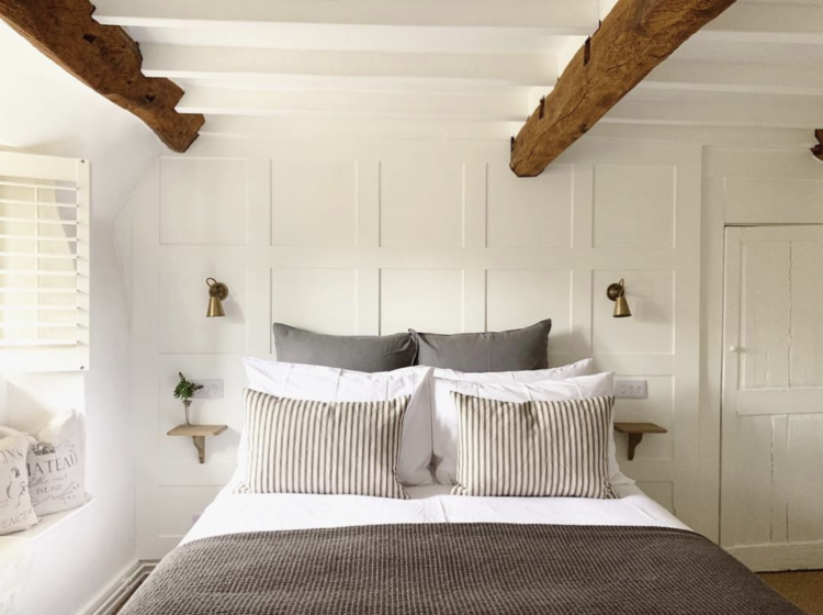 bedroom-@thatchedcottagecotswolds-by-rvk_loves-e1550412453576.png